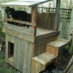 двухэтажная-будка-для-собаки11
