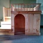двухэтажная-будка-для-собаки14