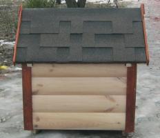 Собачья будка с крышей из гибкой черепицы