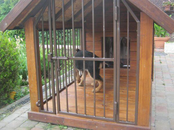 Будка для собаки с минивольером